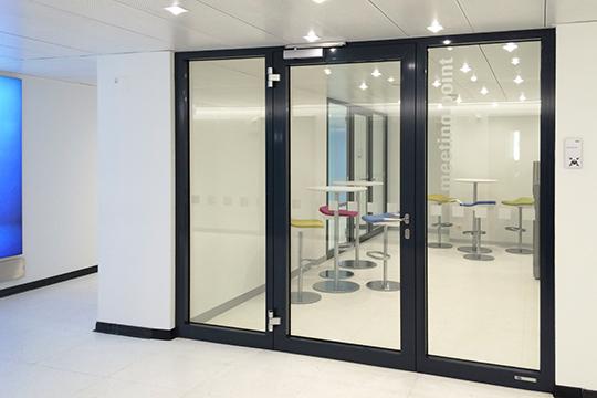 Farbgestaltung für Arbeitsräume und Innenräume